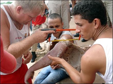 Bombeiros Resgatam Apenado Preso Em Vaso Sanit  Rio
